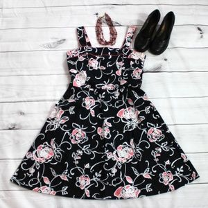 Scarlett Pink & Black Floral Dress Size 14